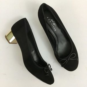 Lord and Taylor 424 Fifth Black Gold Pumps Sz 6.5